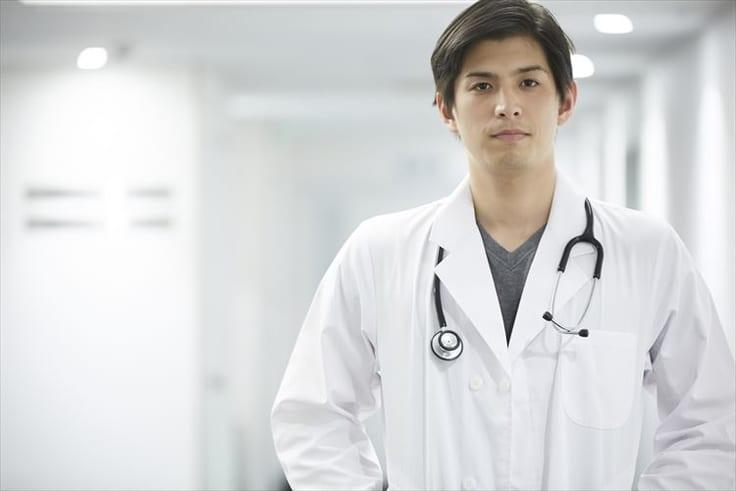 結婚したい30代男性の人気職業の医者