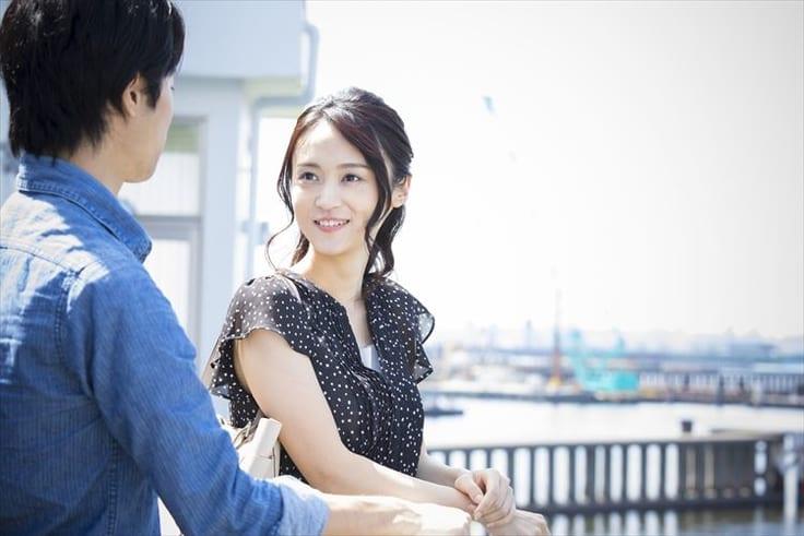 友達以上恋人未満の男性にストレートに想いを伝える女性