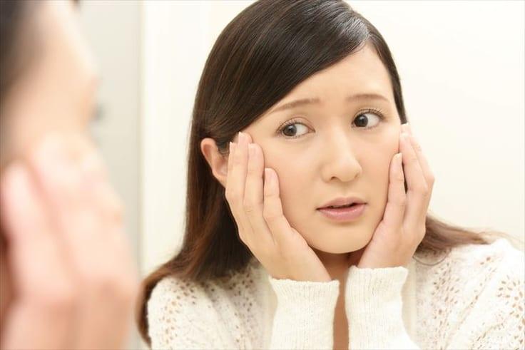 顔でかいと感じてしまう女性必見!小顔に見えるおすすめな方法について