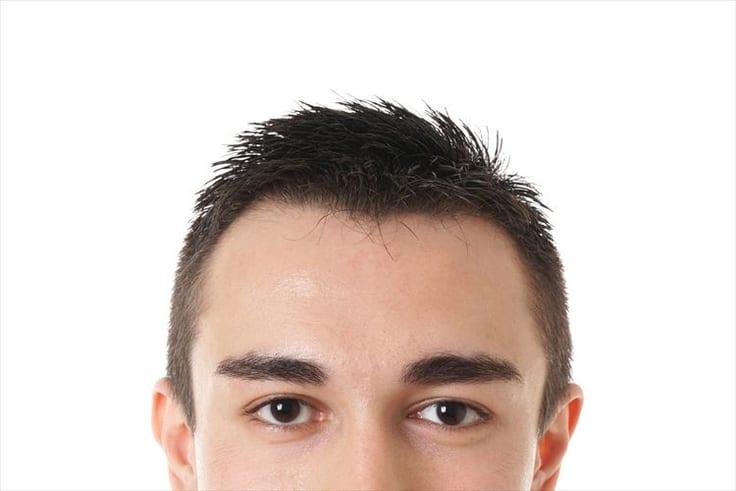 濃いめの眉毛