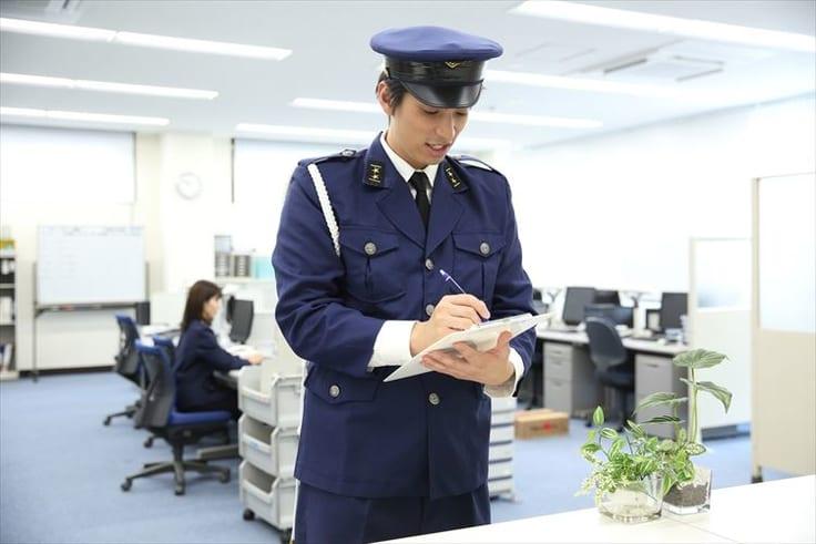 警察官の男性