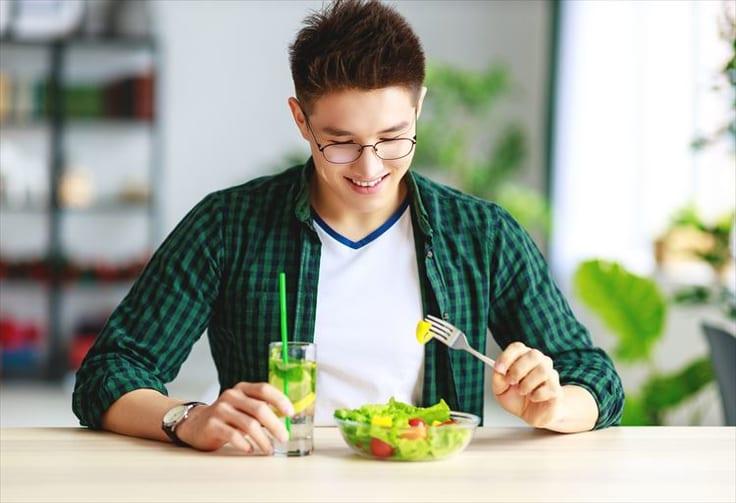 ベジタリアンな男性の10個の魅力と、食事の好みが大事な理由とは?について