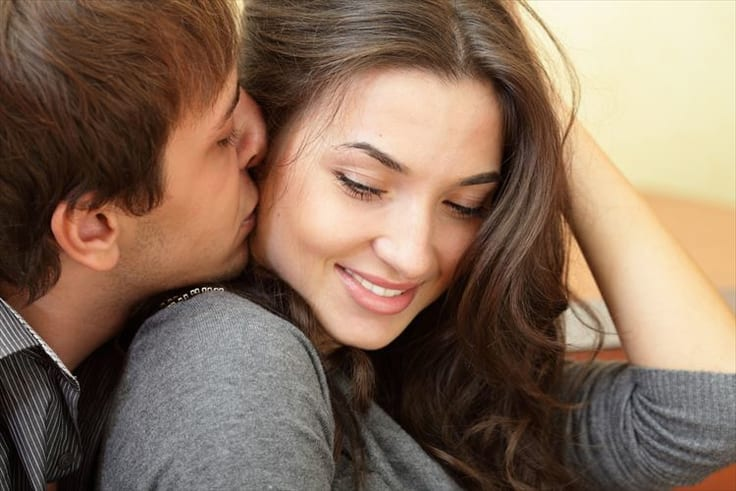 頬っぺたにキス