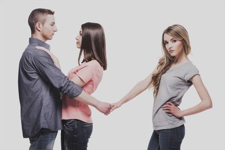 略奪愛ってあり?友達の彼を好きになってしまった時の対処法5個!友情を大切にしたい人は新しい出会いを探そう!について