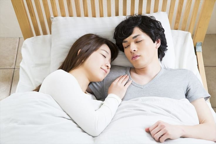 添い寝だけの男性心理6選!女性の寝顔にキュンとくる訳とは?について