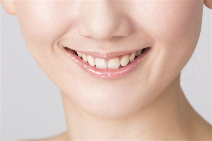 歯並びが綺麗で白い歯