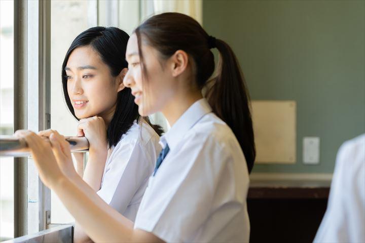 先輩が好きなあなた!学生・職場別でのアプローチ方法と先輩にいい女に見られるには?について
