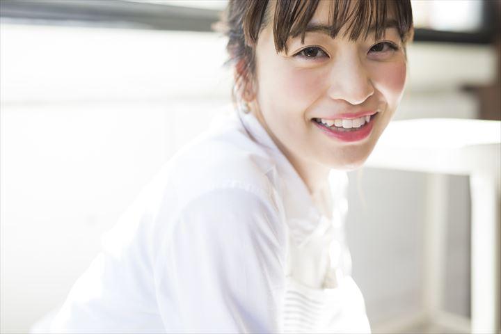 笑顔がかわいい女性