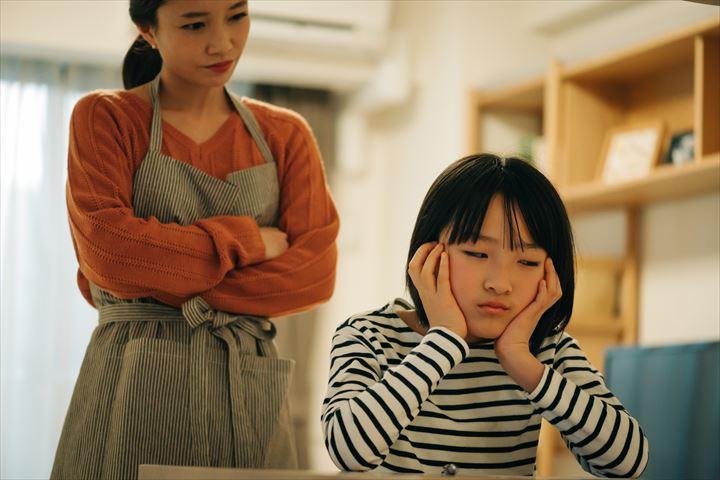 反抗期の対処法17選!【男の子編・女の子編】子供の思春期を広い心で見守ろうについて