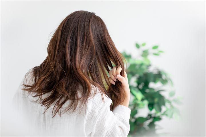 天然パーマな人の特徴11個!頑固なくせ毛とうまく付き合っていく方法を教えますについて